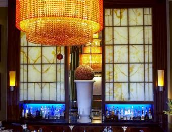 snipWestin Excelsior Rome, Bar Chandelier